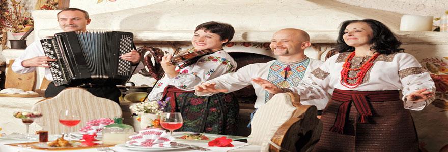 un restaurant avec dîner dansant à Marseille